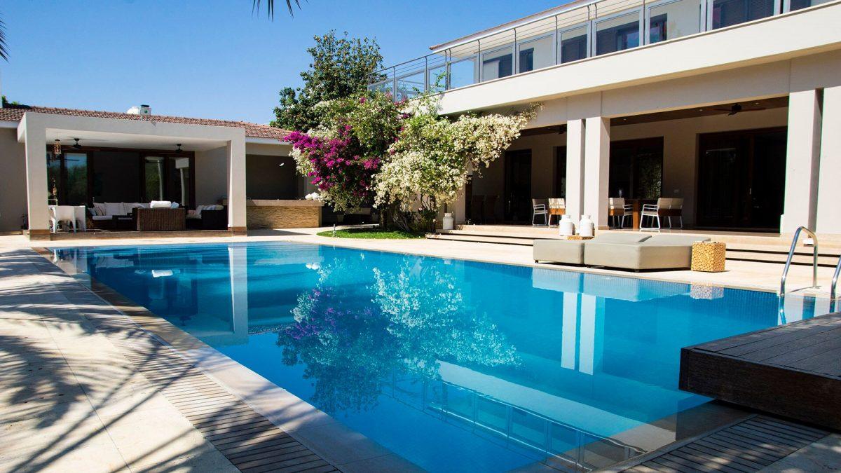 Piscinas Esencial Pool
